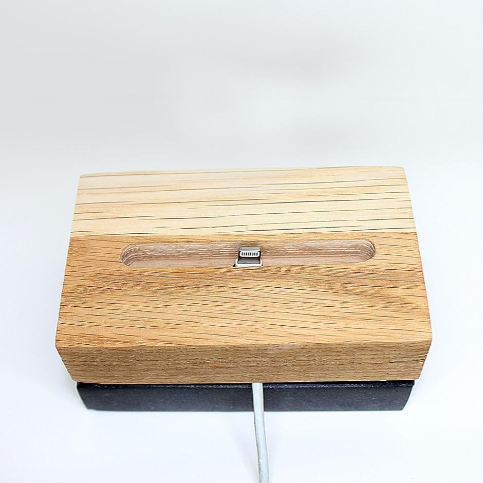Dock bois et marbre pour iPhone